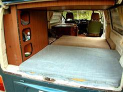 Ci bas le lit du bas vu des deux cts for Interieur westfalia